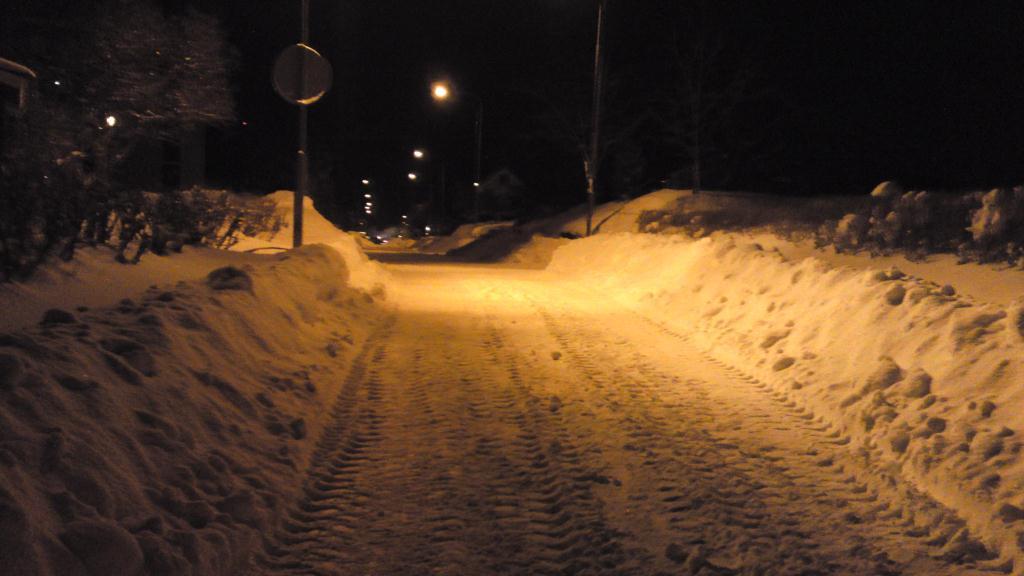 Snart hemma, Brynäs täckt av snö
