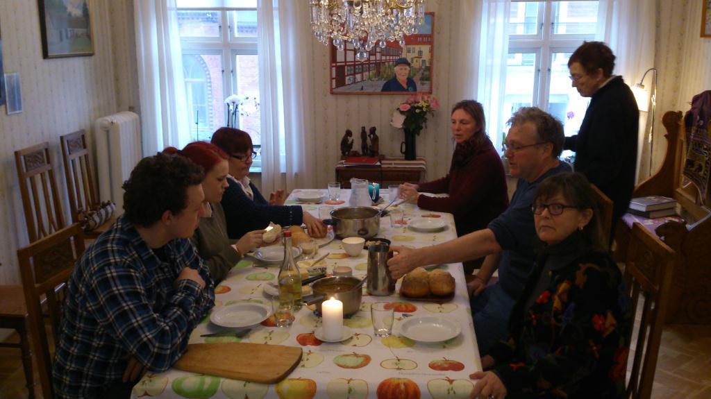 Gemensam lunch hemma i Landskrona