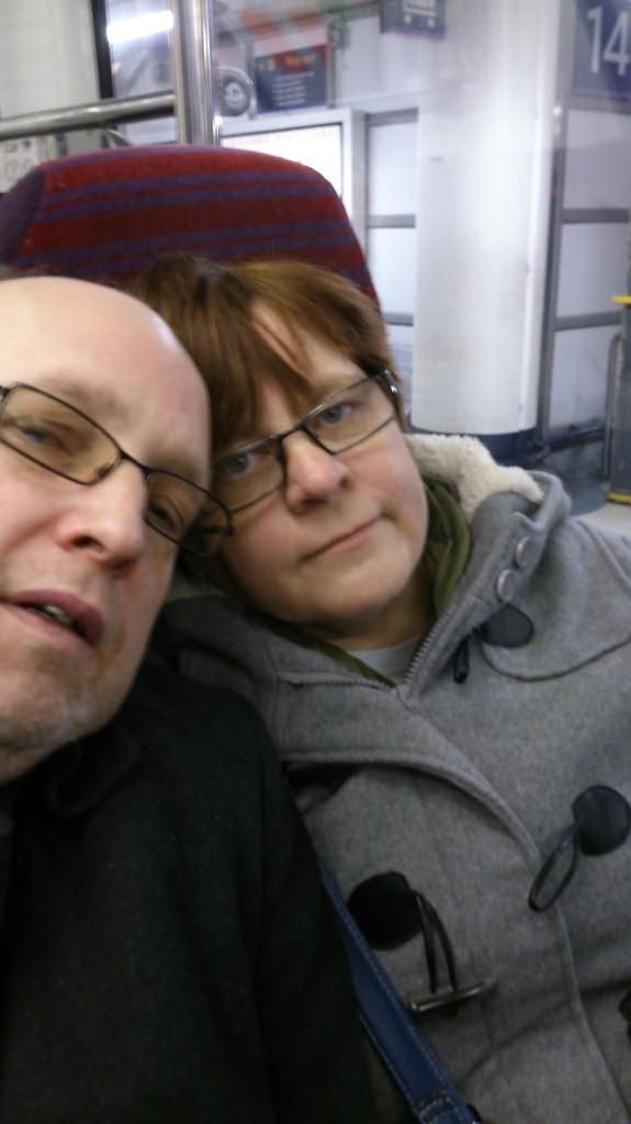 Stefan och Anne Catrine på Gatwick Express
