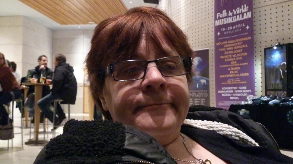 Anne Catrine i väntan på konsertstart