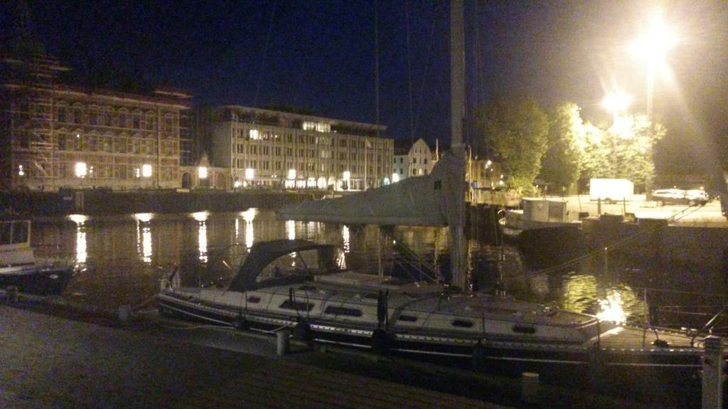 Hamnen i Landskrona by night