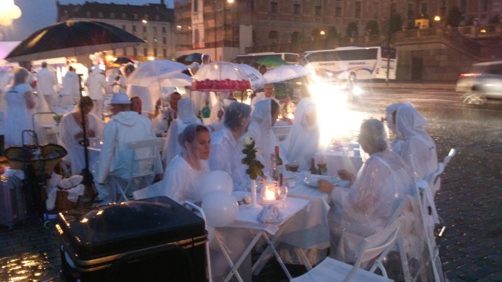 Diner en Blanc Stockholm 2013 – Bord M