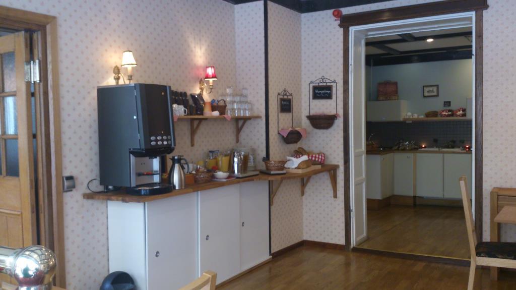 Frukost Hotel Bishops Arms i Köping