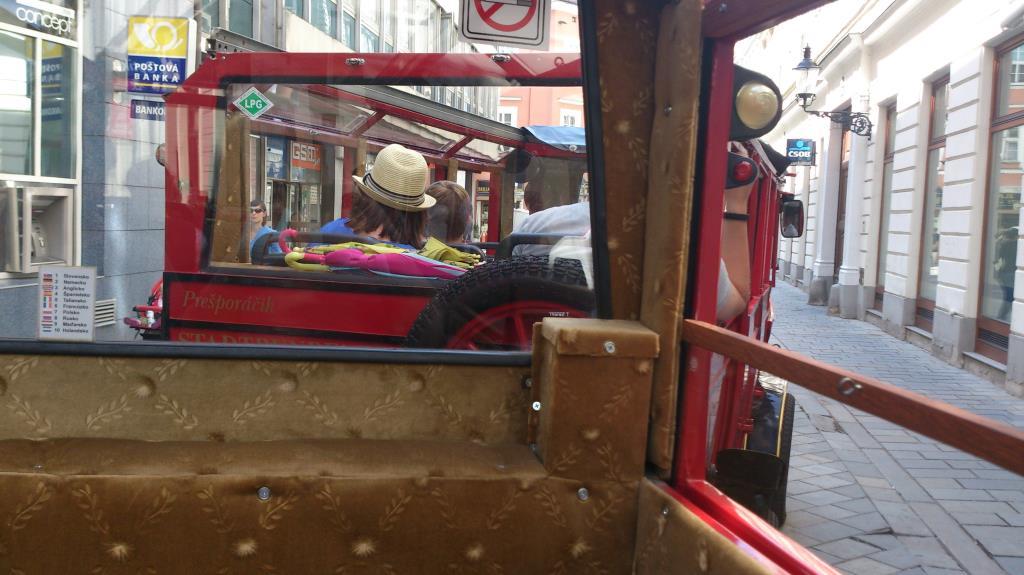 Rundtur med minitåg i Bratislava