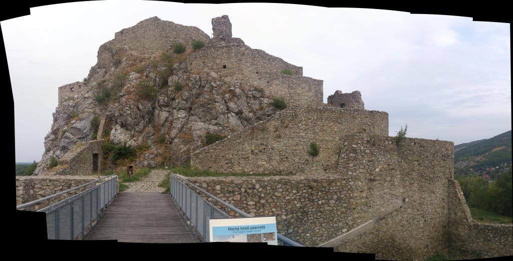 Övre delen av Slottet Devin