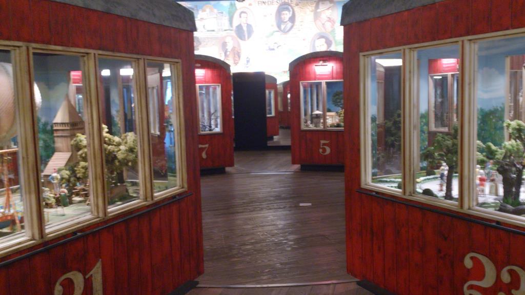 Utställning före åktur i Riesenrad – Prater Wien