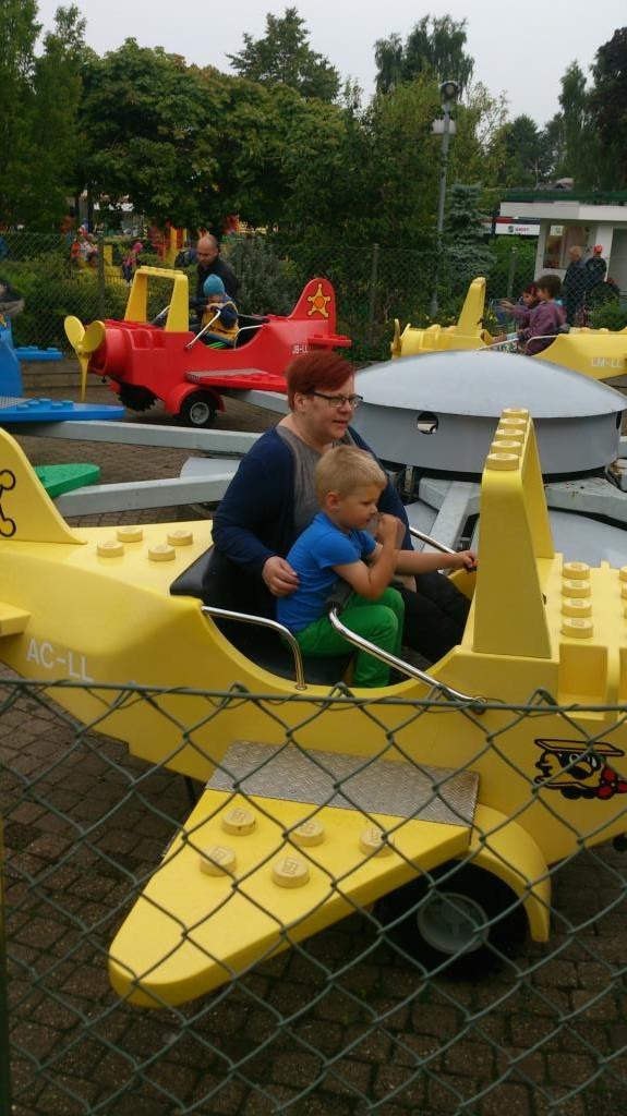 Charlie och AC på Legoland