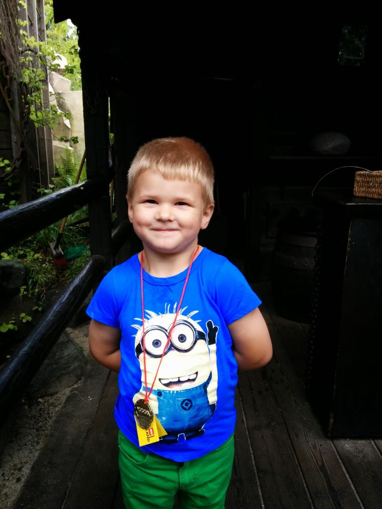 Charlie med sin guldmedalj, Legoland