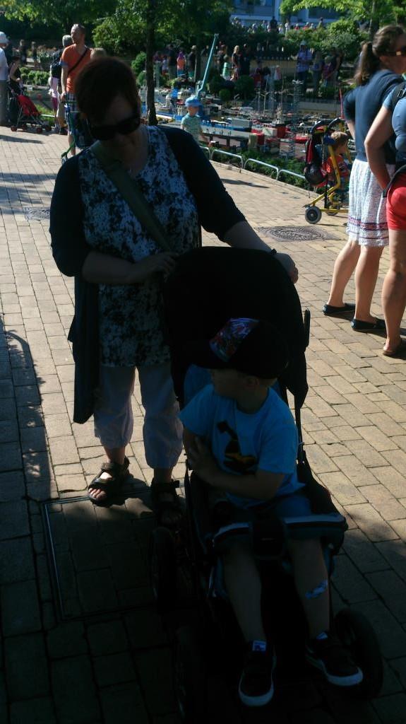 Anne Catrine och Charlie på Legoland