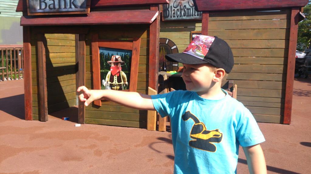 Charlie på Legoland, Billund