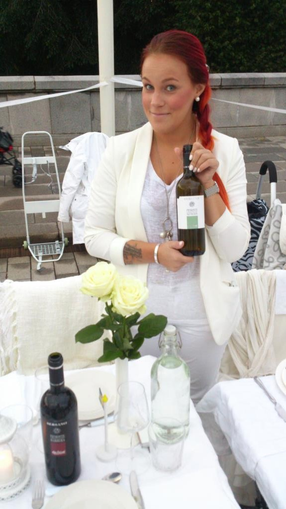 Frida på Diner en Blanc - Stockholm