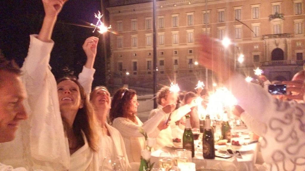 Tomtebloss - Diner en Blanc Stockholm 2014