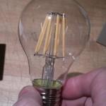 LEDlampa med glödtrådar